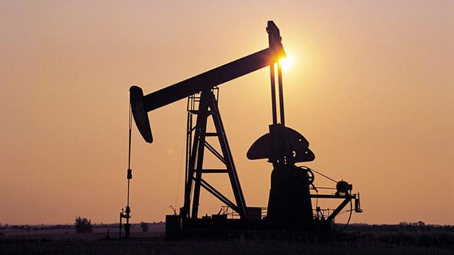 Цена Brent превысила $51 за барр. после отчета EIA