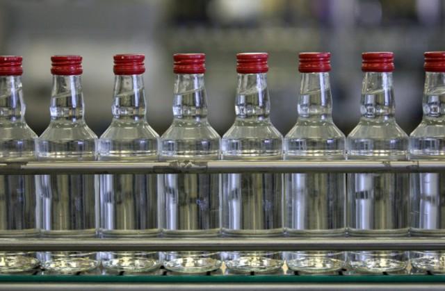 В РФ ужесточили наказание за нелегальный алкоголь