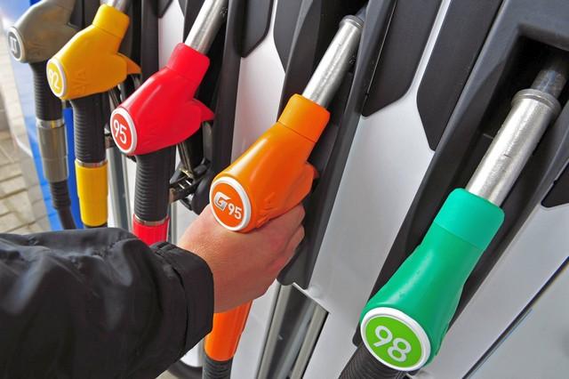 НПЗ готовят рынок к новому росту цен на топливо