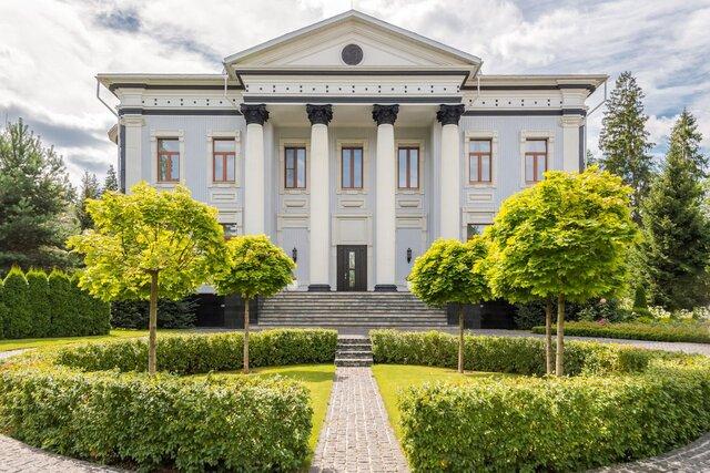 Элитный дом в России впервые продают за биткоины