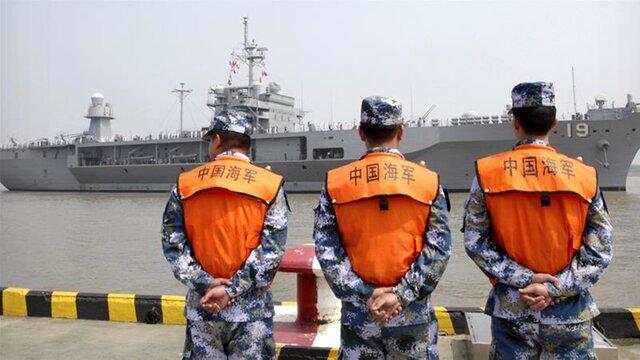 Поиски матросов самериканского эсминца «Джон Маккейн» приостановлены