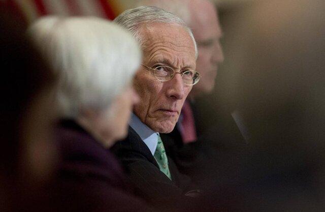 Замглавы ФРС США Фишер неожиданно  подал вотставку