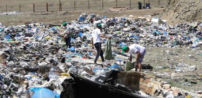 Минприроды: берега Байкала очистили от мусора