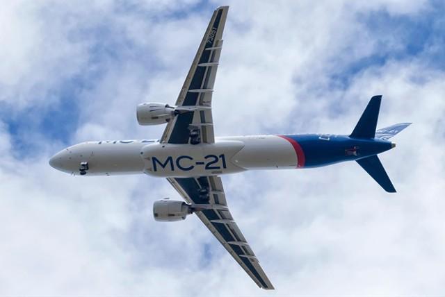 Медведев утвердил стратегию экспорта авиапрома РФ