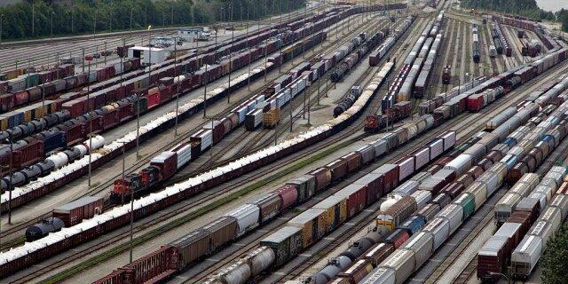 Погрузка на сети РЖД в сентябре выросла на 1,8 процента и составила 103,8 млн тонн