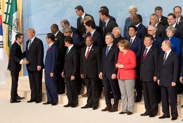 США идут по пути самоизоляции от всего мира