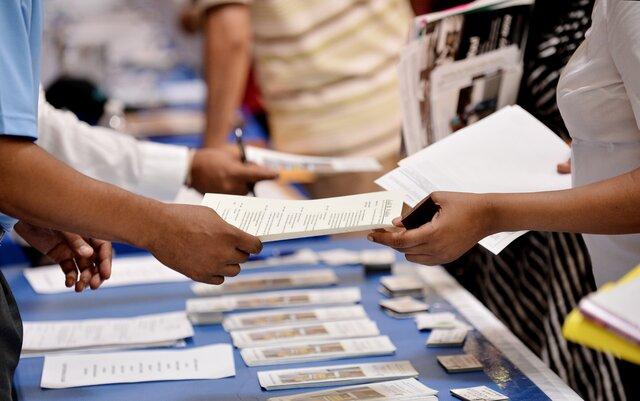 Повторные заявки побезработице вСША упали до44-летнего минимума