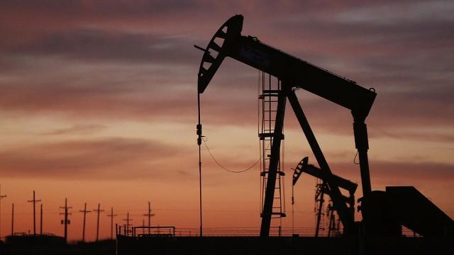 Прогноз: нефть поддержат всем XIX партсъездом