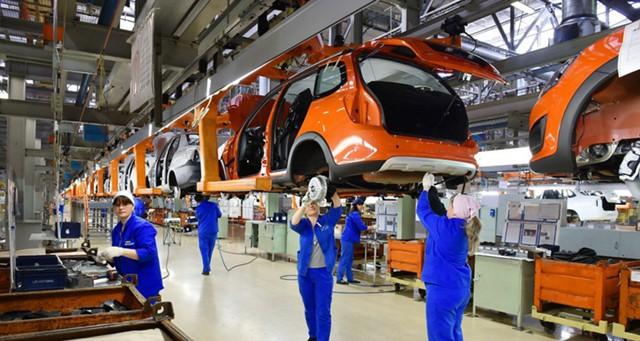 Орешкин: выпуск легковых автомобилей вырастет на 13%