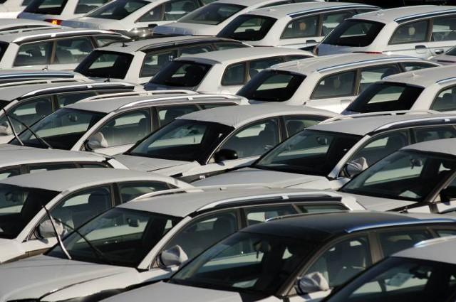 Продажи новых машин в ЕС упали на 2% в сентябре