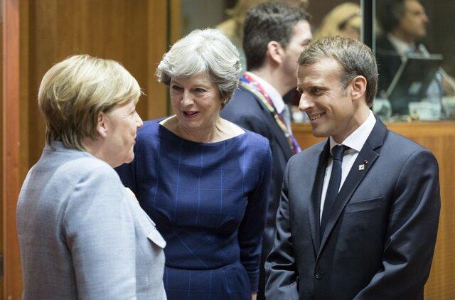 Меркель призвала EC сдержать обещания перед Турцией помигрантам