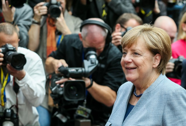 Меркель запускает переговоры о коалиции в парламенте