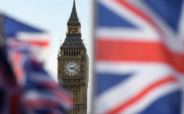 Дефицит бюджета Великобритании вырос в октябре