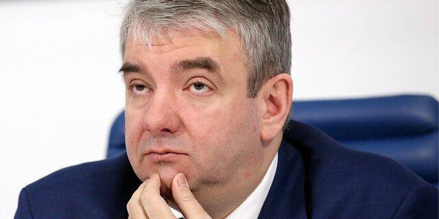 Роструд порекомендовал беднеющим россиянам закончить праздновать ибольше работать