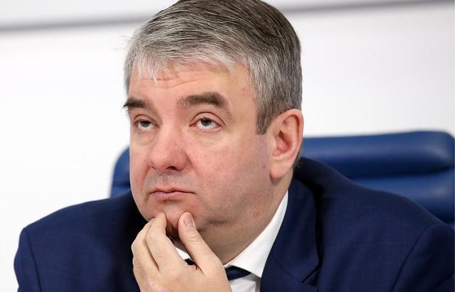 Глава Роструда: в РФ много празднуют и мало работают