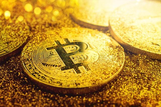 """В ожидании """"судного дня"""": биткоин vs золото"""