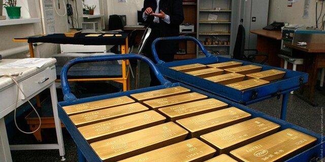 Центробанк: РФ стоит продолжать увеличивать долю золота врезервах