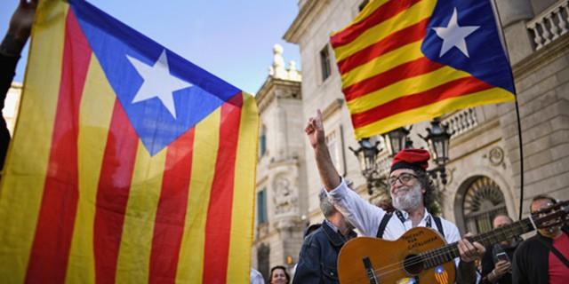 """Каталонии угрожает """"подвешенный парламент"""""""