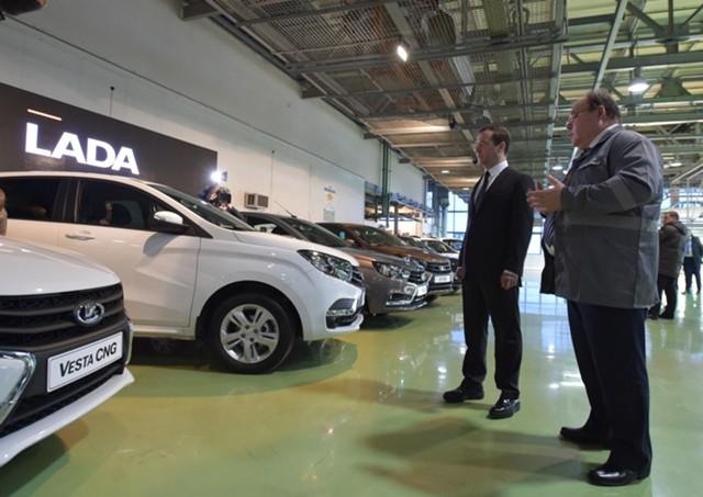 Утильсбор для легковых машин готовы повысить на 49%