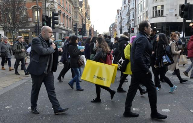 Инфляция в Британии замедлилась впервые за полгода