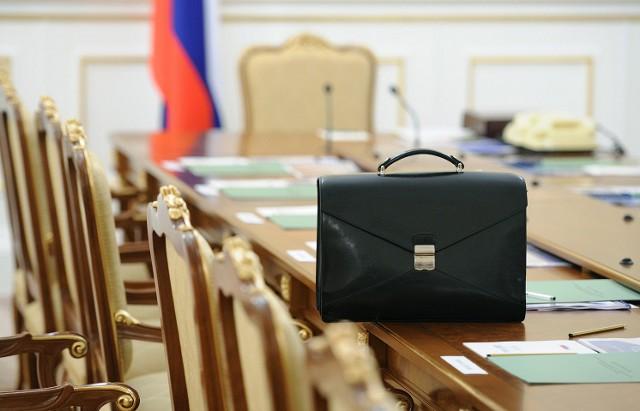 """Голикова: чиновникам надо платить """"по труду"""""""