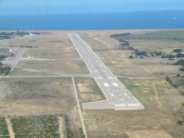 В Севастополе построят гражданский аэропорт