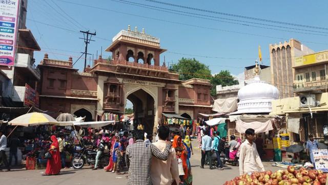 Как дорого быть верующим в Индии?