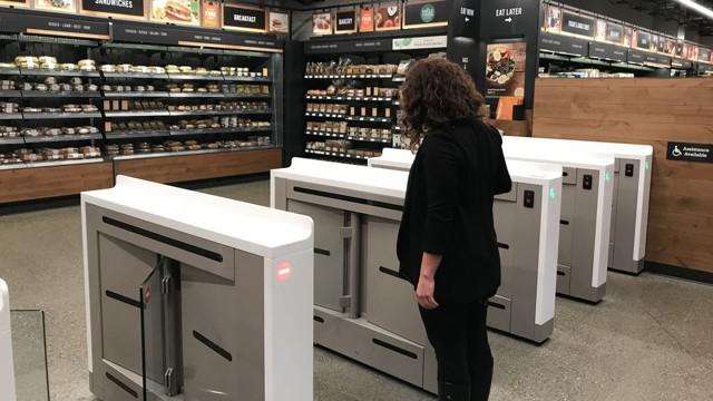 Amazon открыла в Сиэтле первый магазин без касс