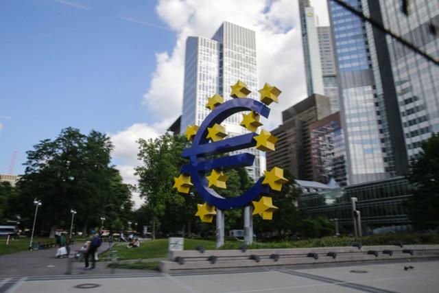 Оценка роста ВВП еврозоны сохранена на уровне 0,6%