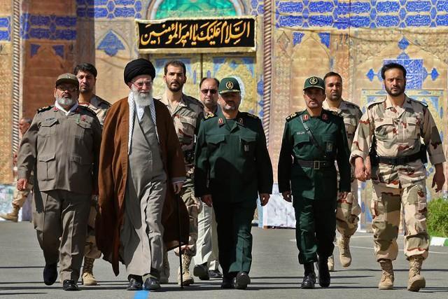 Рухани пытается лишить КСИР экономической мощи
