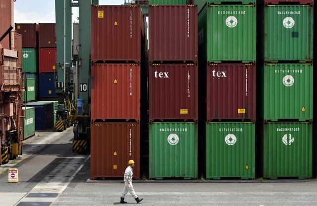 Экспорт из Японии вырос на 12% в январе