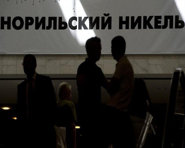 """Потанин дал партнерам за 4% """"Норникеля"""" премию в 11%"""