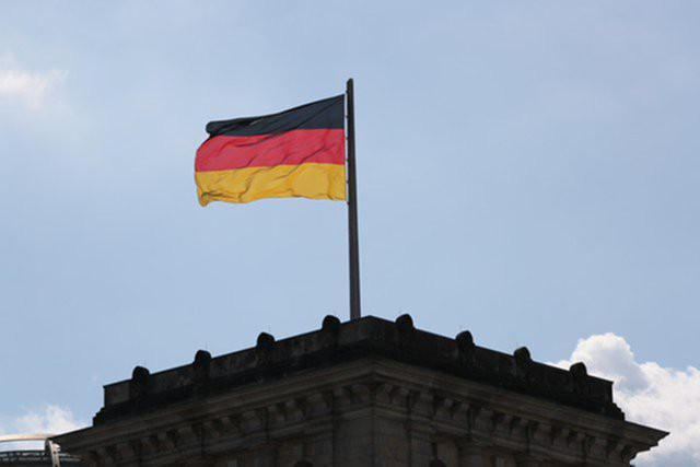 В Германии растет поддержка крайне правой партии