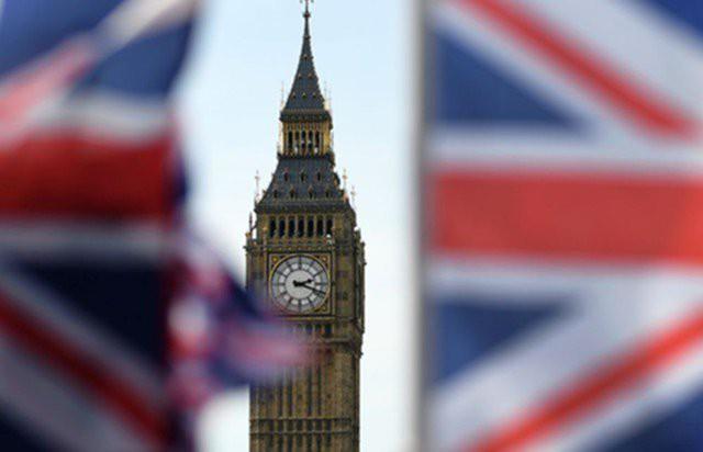 Розничные продажи в Британии продолжают замедляться