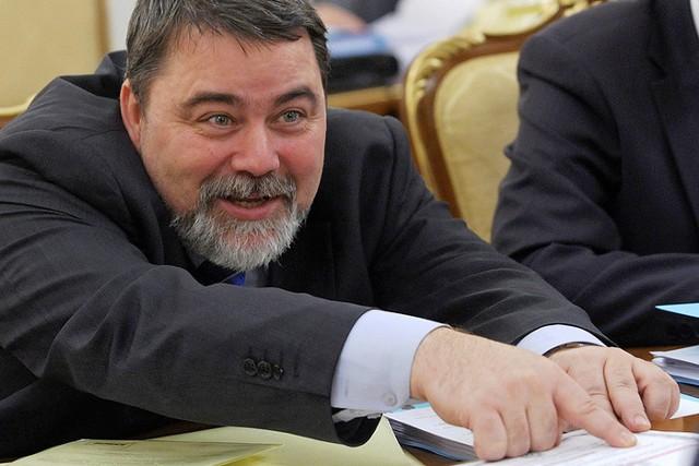 """ФАС разрешит ВТБ купить блокпакет акций """"Магнита"""""""
