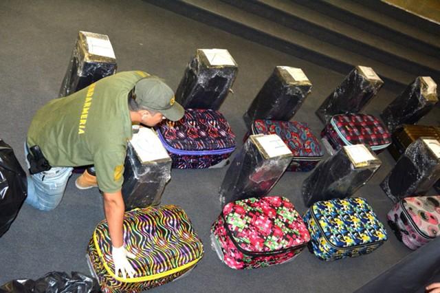 В посольстве РФ в Аргентине изъяли 389 кг кокаина