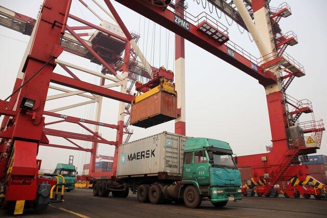 США изучают ограничения на импорт, инвестиции из КНР