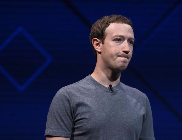 Почему Цукерберг не комментирует утечку данных?