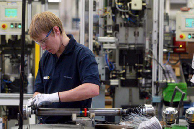 Промышленные заказы Британии потеряли импульс роста
