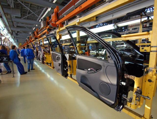 """Продажи """"АвтоВАЗа"""" в марте в РФ выросли на 22,3%"""