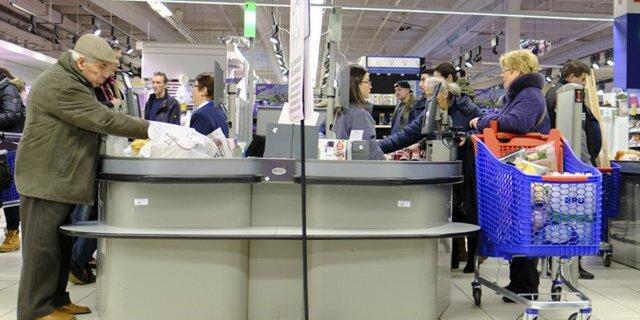 Крупнейшие торговые сети РФ  предупреждают о вероятном  дефиците продуктов